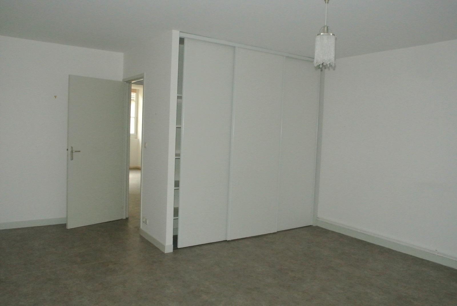 Appartement-immeuble -Saint-Gaultier-5